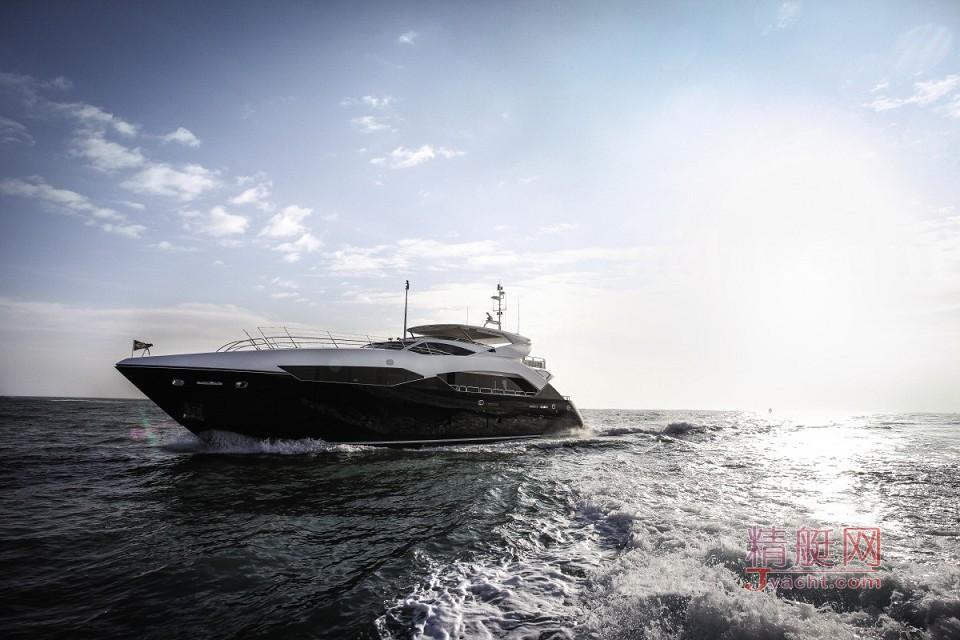 115 Sport Yacht