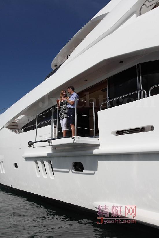 130 Sport Yacht