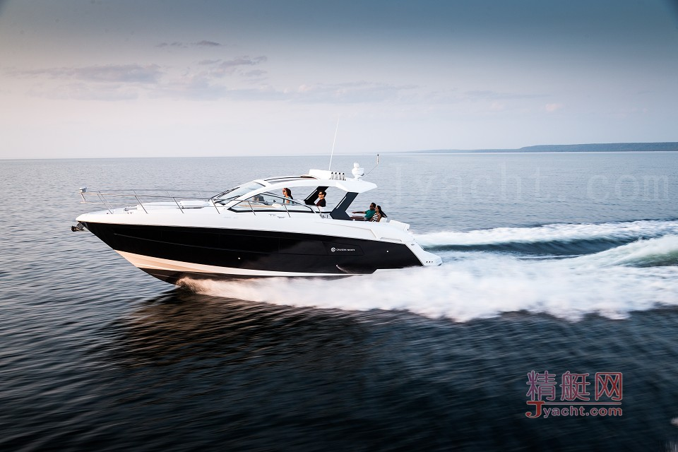 Cruisers yachts 390